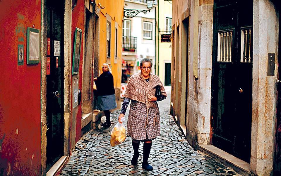 Δημογραφική «βόμβα» στην Πορτογαλία