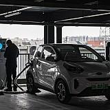 Ηλεκτρικά οχήματα: Μειώνουν την πώληση 2 εκατ. βαρελιών πετρελαίου ημερησίως