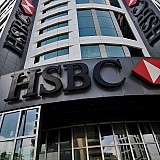 HSBC: Φουντώνει η πανδημία παντού πλην Ελλάδας και Πορτογαλίας
