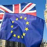 Η μάχη Βρυξελλών - Λονδίνου για την εκκαθάριση παραγώγων ευρώ θα ωφελήσει τελικά την Νέα Υόρκη