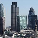 Πτώση 0,9% των πωλήσεων λιανικής στη Βρετανία