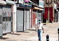 Το δεύτερο κύμα της πανδημίας απειλεί να διαλύσει την οικονομία