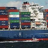 Λιγότερο εμπόριο, χαμηλότερη ανάπτυξη για την παγκόσμια οικονομία