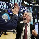 """Τα """"ιστορικά υψηλά"""" και οι αποδόσεις των διεθνών αγορών"""
