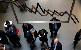 Βραχυπρόθεσμοι κίνδυνοι στα ομόλογα λόγω Ιταλίας, αργεί ο «επενδυτικός βαθμός»