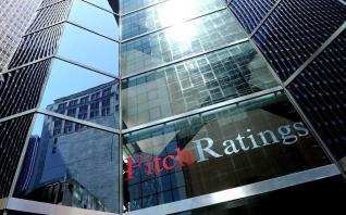 «Κλειδί» για την αναβάθμιση της ελληνικής οικονομίας από τη Fitch οι τράπεζες