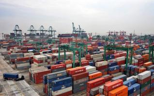 Ποιοι κλάδοι ώθησαν σε ρεκόρ τις ελληνικές εξαγωγές