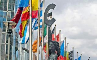ΕΚΤ: Η οικονομία της ευρωζώνης θα ανακάμψει με βραδύτερο ρυθμό από ό,τι αρχικά αναμενόταν