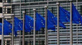 Αύξηση χρηματοδότησης επιχειρήσεων σε περιπτώσεις απολύσεων προτείνει η ΕΕ