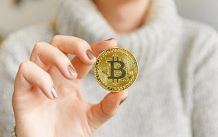 """Ο Paul Tudor Jones προειδοποιεί για """"τρελό"""" πληθωρισμό - Χαρακτηρίζει το bitcoin """"μέσο σίγουρης επένδυσης"""""""