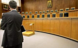 Η Ενωση Εισαγγελέων κατά των πολιτικών που στρέφονται ενάντια στους εισαγγελείς διαφθοράς για τη Novartis