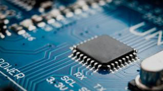 Semiconductor makers and users form a group to push for chip funding