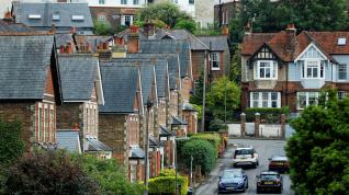 U.K. House Prices Surge Most in 17 Years as Lockdown Eases
