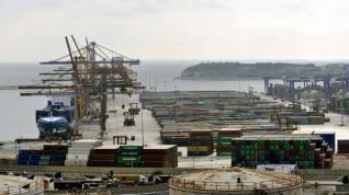 Διπλωματικό μπρα ντε φερ κυβέρνησης – Cosco για προβλήτα IV και ναυπηγείο στο Πέραμα