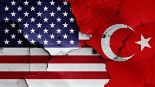 Κυρώσεις στην Τουρκία ζητούν Αμερικανοί γερουσιαστές από τον Πομπέο μετά την επικοινωνία με Δένδια