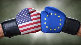 Ευρώπη- ΗΠΑ: Ποιος έχει τα πιο αποτελεσματικά «όπλα» απέναντι στην πανδημία;