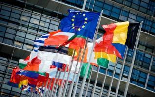 Με το ελληνικό spread σε επίπεδα Οκτωβρίου 2009, η κρίση της Ευρωζώνης τελείωσε και επισήμως