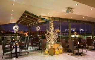 Το ξενοδοχείο Τιτάνια πωλήθηκε στο βρετανικό fund London + Regional