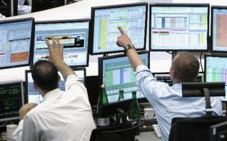 Οι επενδυτές «βλέπουν» αναβαθμίσεις, το ράλι στα ομόλογα συνεχίζεται