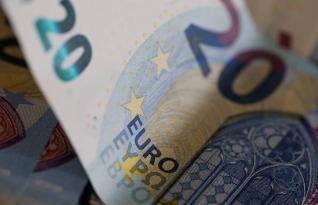 Reuters: Καταρρέει η αξία των ευρωπαϊκών τραπεζών