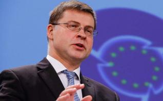 Δεν υπάρχουν περιθώρια χαλάρωσης, τονίζει η Ευρωπαϊκή Επιτροπή
