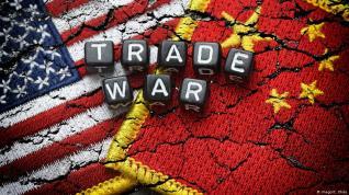 Απειλεί το Παγκόσμιο Εμπόριο η διένεξη ΗΠΑ-Κίνας