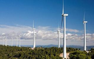 Σκρέκας: Σημαντικές επενδύσεις σε υπεράκτια αιολικά και πλωτά φωτοβολταϊκά τους επόμενους μήνες