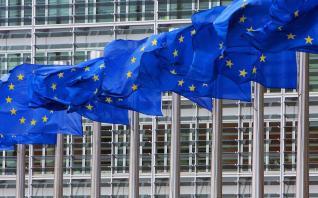 """Πόρισμα Κομισιόν: """"Η κρίση υγείας θα παραταθεί έως τις αρχές Ιουνίου ή και περισσότερο""""- ύφεση 4,5% φέτος στην Ευρώπη"""