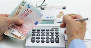 Σχέδιο για ελαφρύνσεις ύψους 2 δισ. ευρώ ετοιμάζει η κυβέρνηση