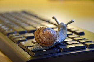 Αργό και πανάκριβο το σταθερό internet στην Ελλάδα