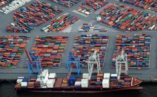 Γερμανία: Βουτιά και στις εξαγωγές