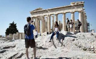 Αιχμή του δόρατος η τουριστική βιομηχανία για ρυθμό ανάπτυξης 4%