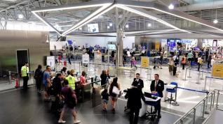 Σε 17 εκατ. το α' πεντάμηνο, ο αριθμός των επιβατών στα αεροδρόμια