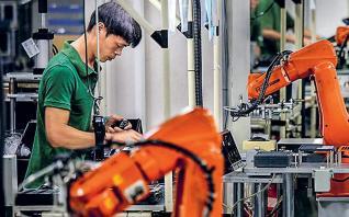 Σε χαμηλό 17 ετών η ανάπτυξη στην Κίνα