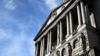 Saunders (BoE): Μπορεί να χρειαστεί μείωση των επιτοκίων ακόμη και με ομαλό Brexit