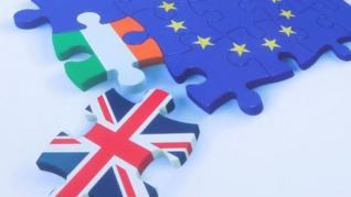 """Brexit: Έτοιμη για """"σημαντικές υποχωρήσεις"""" η ΕΕ στο ζήτημα της Β. Ιρλανδίας"""