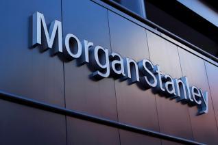 Morgan Stanley: Ελκυστικές οι ελληνικές τράπεζες - Οι σημαντικοί καταλύτες που αγνοεί η αγορά και ο δρόμος προς το ράλι