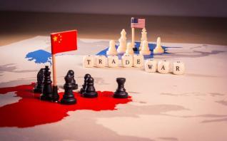 Πτώση 23% των κινεζικών εξαγωγών προς τις ΗΠΑ