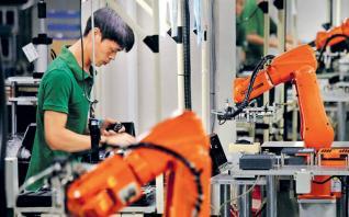Η επιβράδυνση της κινεζικής οικονομίας πλήττει τις γειτονικές της χώρες