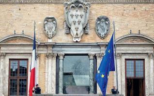 Γαλλία: Η οικονομική δραστηριότητα καταρρέει εν μέσω των περιορισμών λόγω κορονοϊού