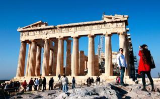 Το δυσμενές σενάριο για τον τουρισμό και το κόστος στην Οικονομία