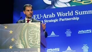 Θεοχάρης: Πρόσκληση προς τον αραβικό κόσμο για επενδύσεις στην Ελλάδα