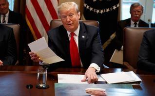 Reuters: Τι θα περιλαμβάνει το διάταγμα Tραμπ για τα social media