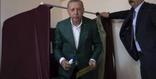 Τρίζει ο θρόνος του Ερντογάν - Έχασε την Κωνσταντινούπολη, χάνει και την Τουρκία;