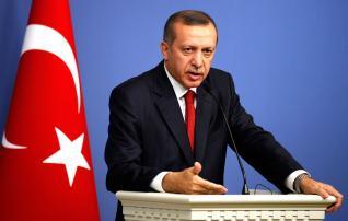 Η ύφεση της οικονομίας εντείνει την πίεση στον Τ. Ερντογάν