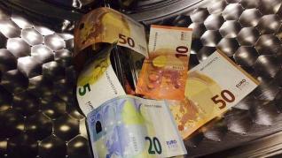 Αυστηρότερες κυρώσεις για τα νομικά πρόσωπα που «ξεπλένουν» χρήμα