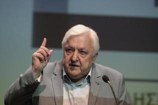 Ο Αλέκος Παπαδόπουλος στη HuffPost: «Μόνο χάρτινες λύσεις σε αυτή τη χώρα»