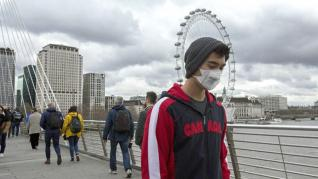 Βρετανία: Παραμένει σε εξαιρετικά χαμηλά επίπεδα η καταναλωτική εμπιστοσύνη