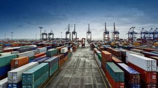 HΠΑ: Ιστορική «βουτιά» για εισαγωγές και εξαγωγές τον Απρίλιο