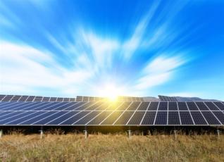 Οι επενδύσεις και οι προκλήσεις της στροφής των μεγάλων ελληνικών εταιρειών στις ανανεώσιμες πηγές ενέργειας